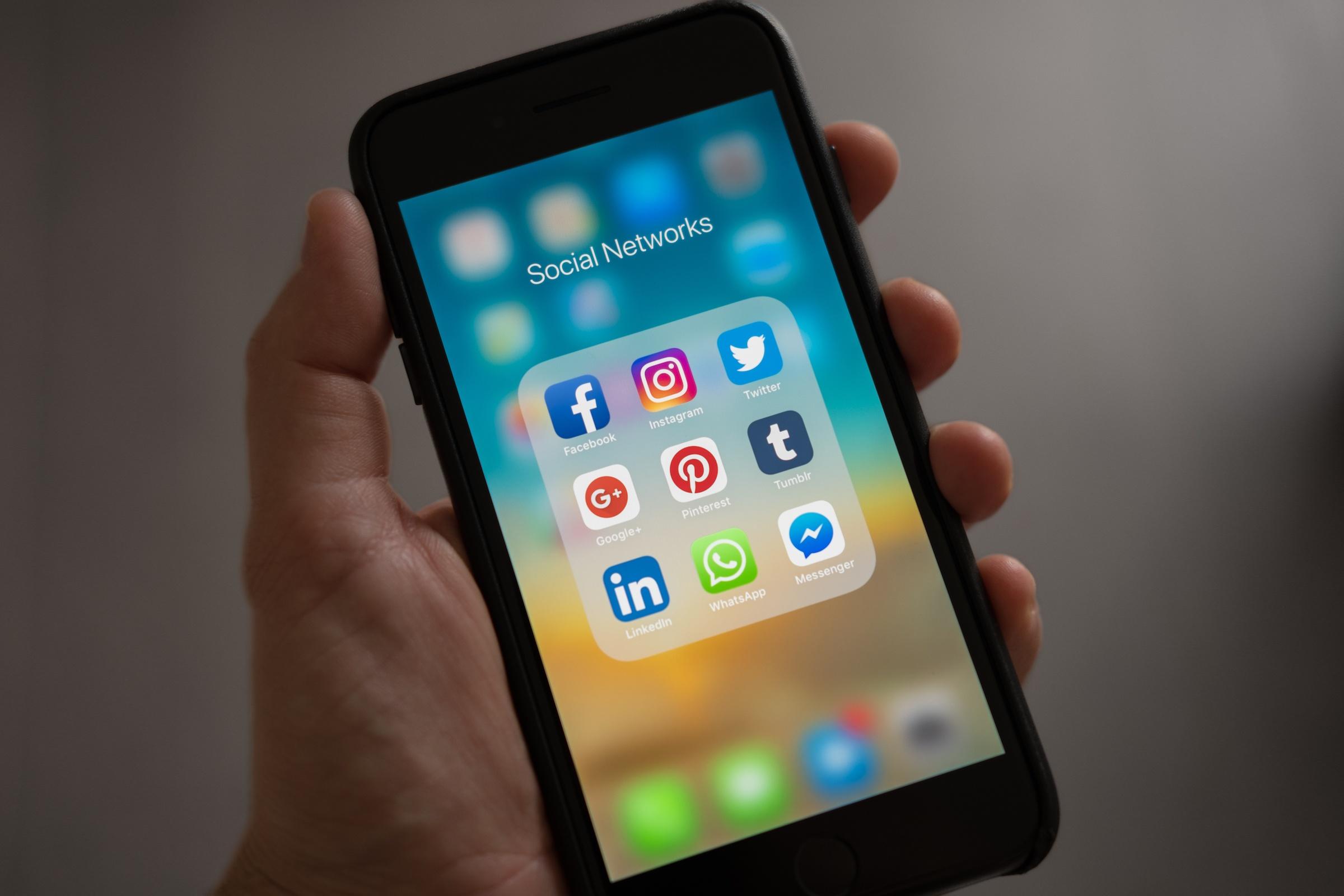 social networks-607812.jpeg